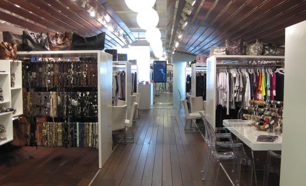 LA fashion showroom & wholesale - Ginger Showroom showcase 3